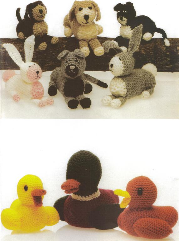 Knitted Teddy Bear Pattern Books : Patons TOYS Knit & Crochet pattern book 376 Teddy Bear