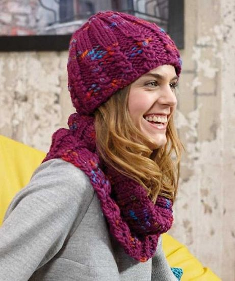 Schachenmayr LOVA Hat and Snood FREE Knitting Pattern