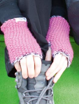 Regia Active Wrist Warmers Knitting Pattern FREE